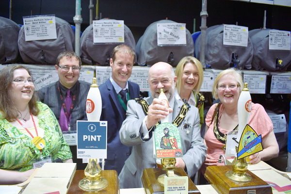 Mayor Opens Beer Festival